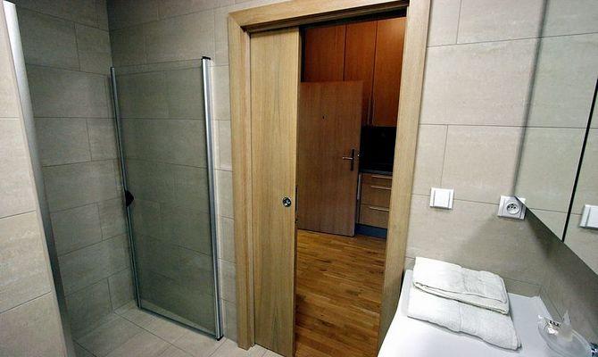 Изысканная деревянная дверь
