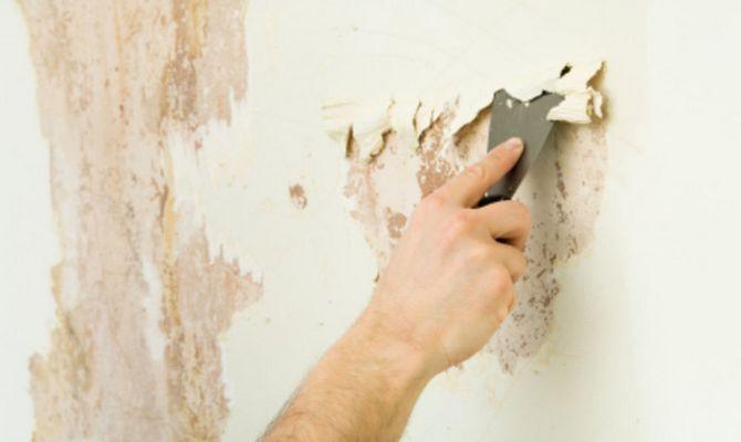 Очищение старой краски со стен
