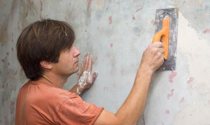 Выравнивание стены с помощью гипсовой смеси