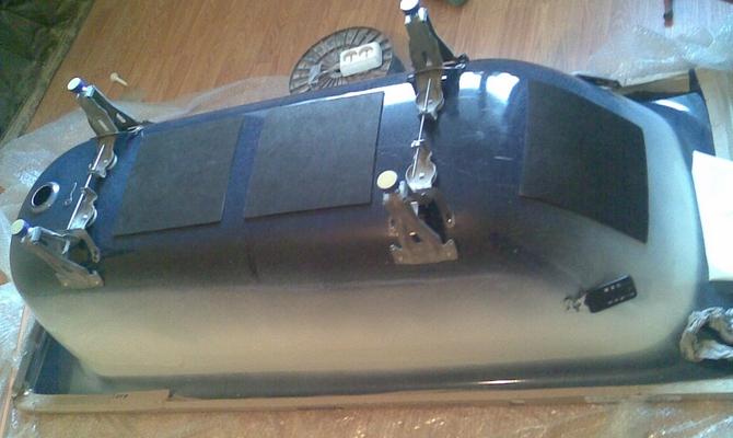 Крепление ножек к перевернутой ванне