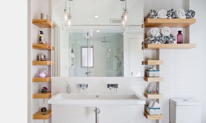 Шкаф для полотенец и других мелочей в ванну