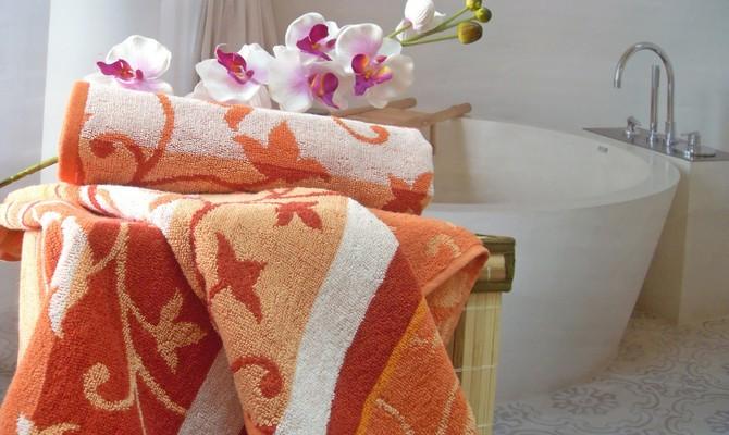 Жаккардовые банные полотенца