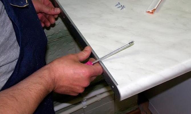 Как сделать кромку столешницы видео