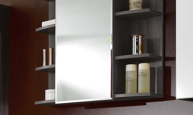 Классический шкаф с зеркалом в ванной