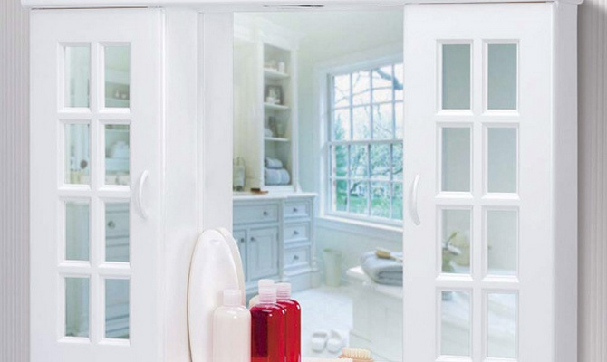 Зеркало шкаф для ванной из пластика