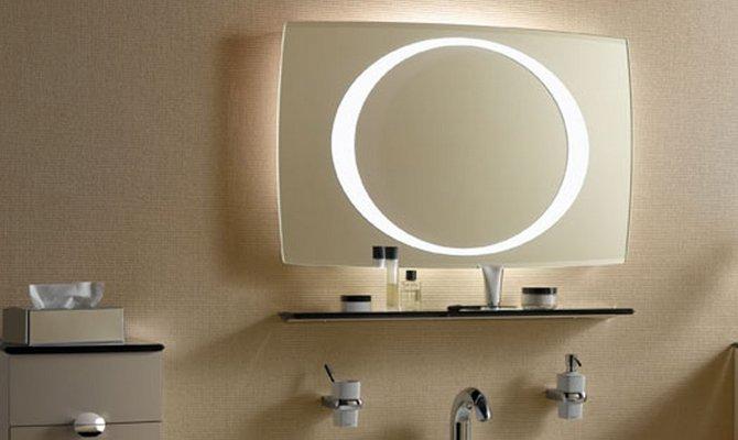 Плюсы зеркал с ванной
