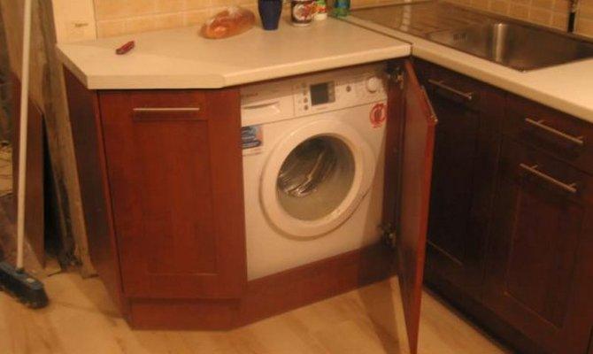 В чем преимущества и недостатки шкафов для машинки