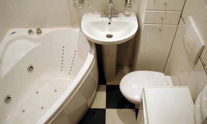 Сантехника в малогабаритной ванной комнате