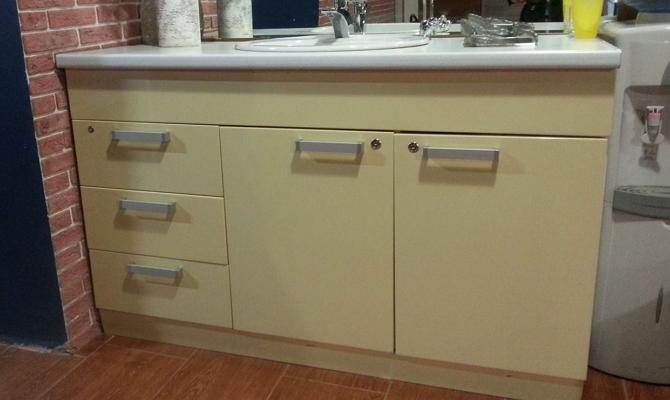 Выбираем материал для изготовления шкафчика своими руками