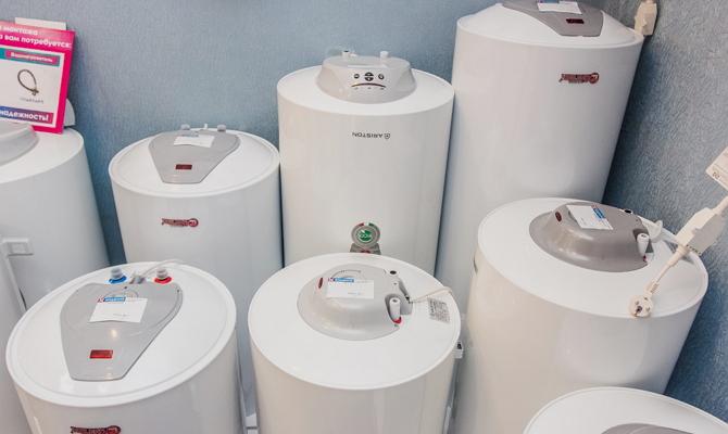 Объем воды, мощность нагревательного элемента и время нагрева