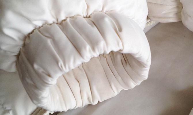 Вывести жирное пятно на болоньевой куртке фото