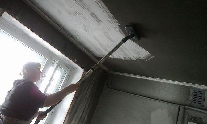 Как избавиться от сажи на потолке, стенах и окнах?