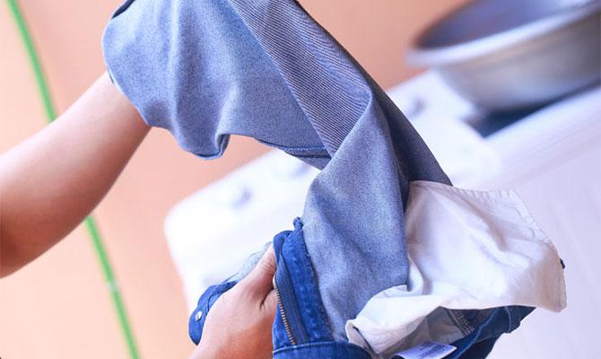 Как правильно постирать джинсы - чтобы они сели по фигуре