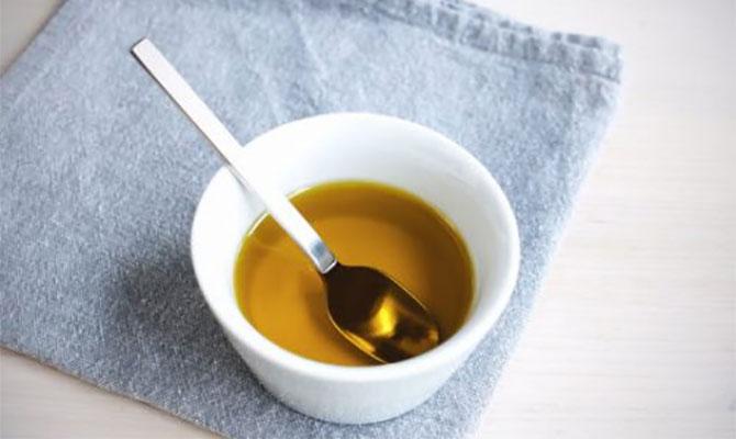 Удаление пенополиуретана растительным маслом