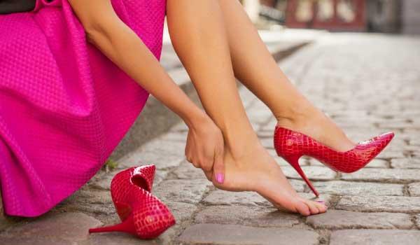 Что делать если натирает обувь сзади